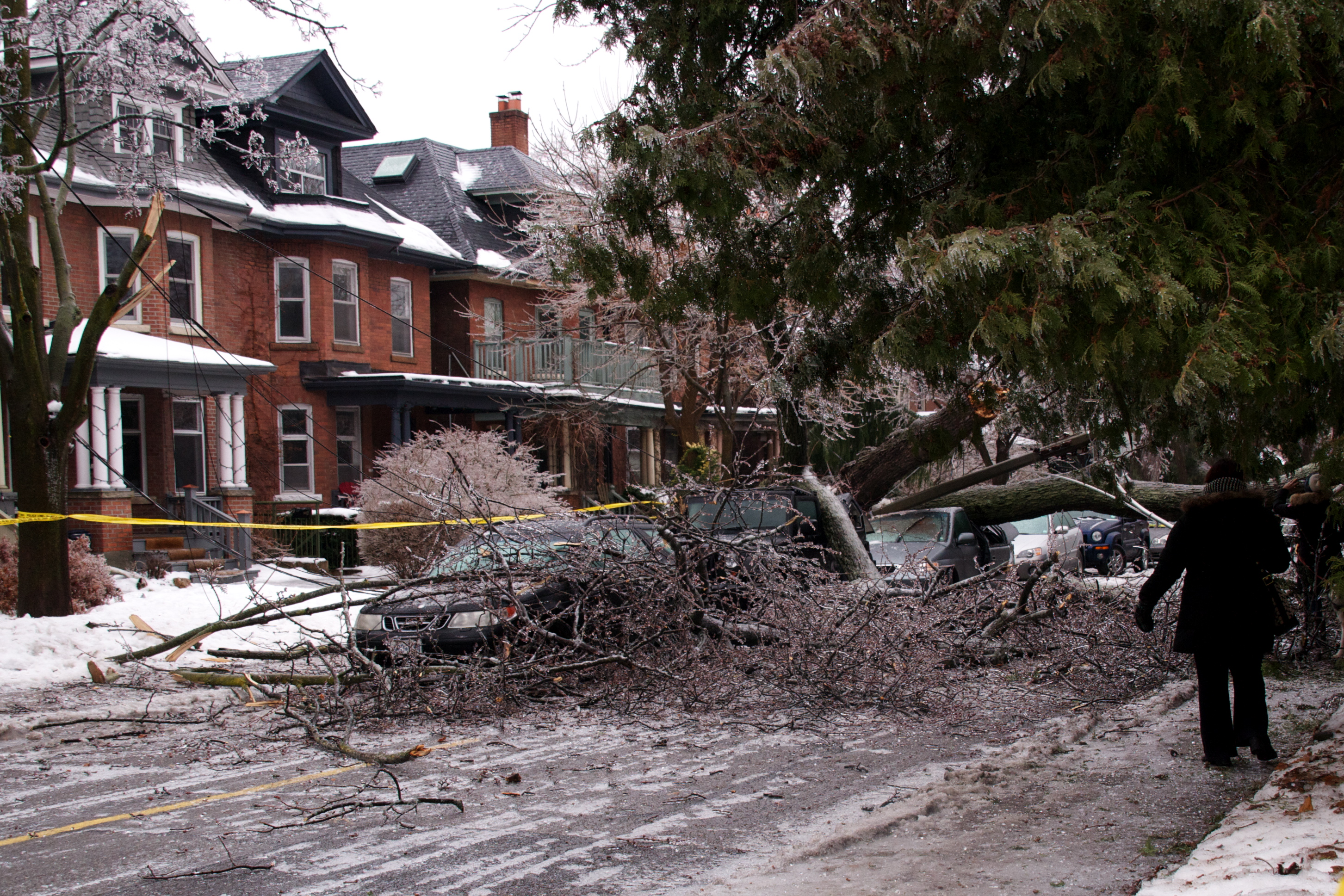 Toronto Icestorm Causes Blackout In GTA Homes